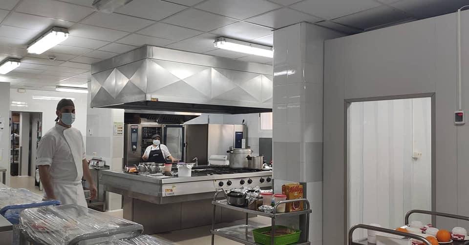 Renovación y adaptación de las cocinas para dar nuevos servicios